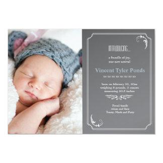 La photo de faire-part de naissance amincissent le