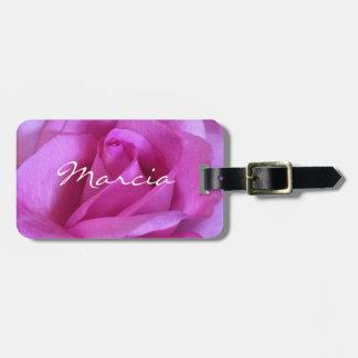 La photo lumineuse de rose de rose a customisé étiquette pour bagages