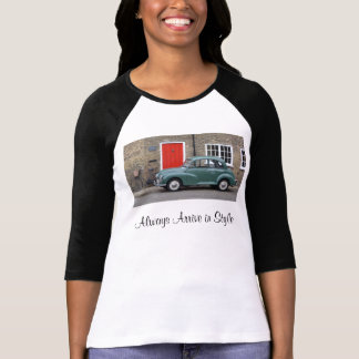La pièce en t des femmes classiques mineures de t-shirts
