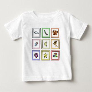 La pièce en t graphique du bébé t-shirt pour bébé