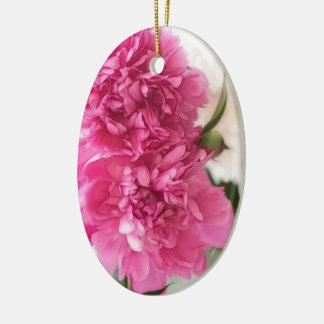 La pivoine fleurit le croquis en gros plan ornement ovale en céramique