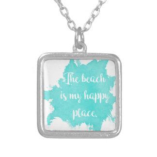 La plage est mon endroit heureux pendentif carré