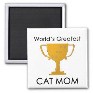 La plus grande maman du chat du monde aimant