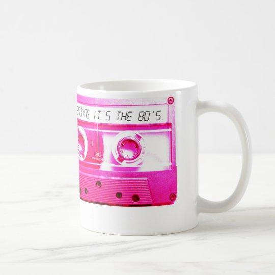 La prétention de lui est les années 80 mug