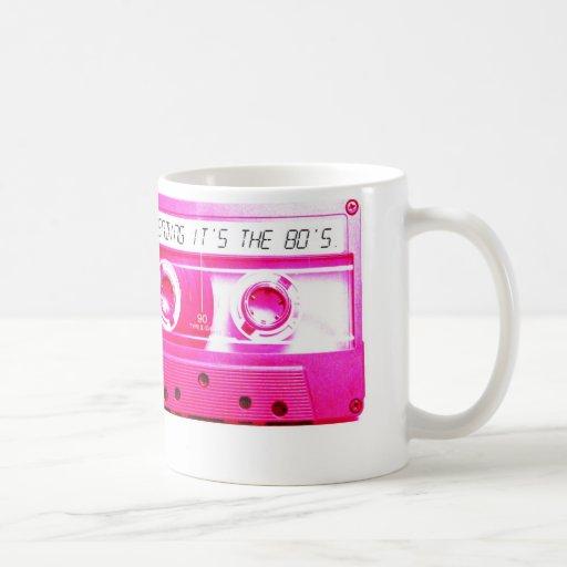 La prétention de lui est les années 80 mugs