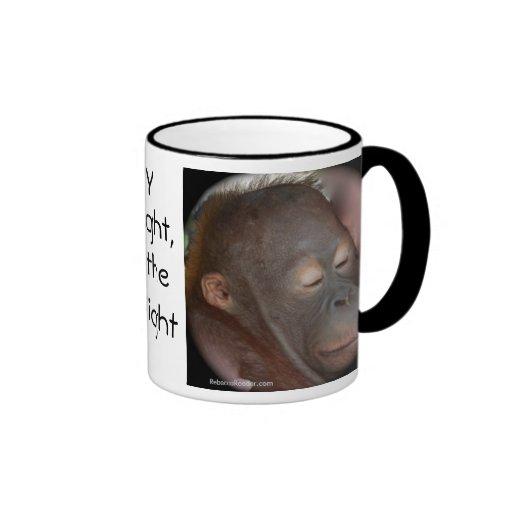 La prière des enfants d'orang-outan tasse