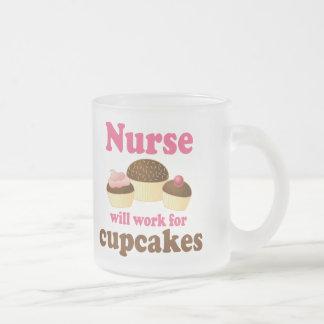 La profession fonctionnera pour l'infirmière de tasse givré