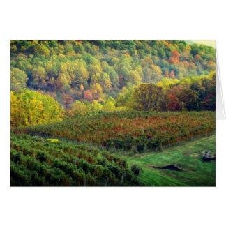 La récolte de raisin finit la carte vierge