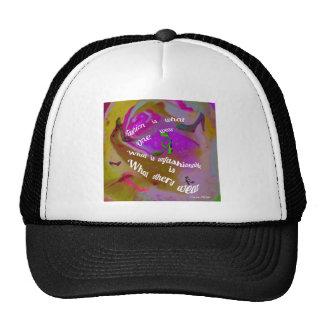 La règle pour être ou hors de mode casquettes
