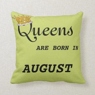La Reine sont née dans le coussin