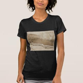 La rivière d'Huron T-shirts