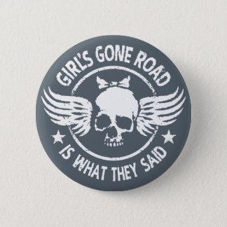 La route allée de la fille badge