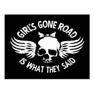 La route allée de la fille carte postale