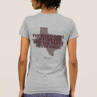 La route va sur le T-shirt de Forever