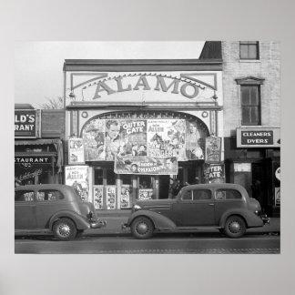 La salle de cinéma d'Alamo, 1937. Photo vintage Posters