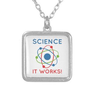 La Science que cela fonctionne ! Pendentif Carré