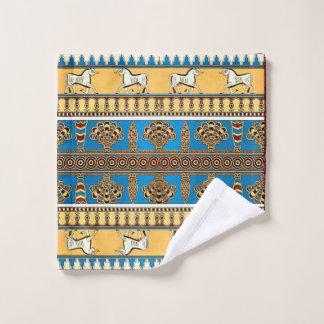 La serviette assyrienne a placé l'art populaire 7