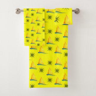 La serviette de salle de bains place des voiliers