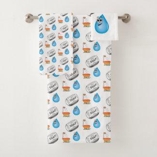La serviette de salle de bains place le savon