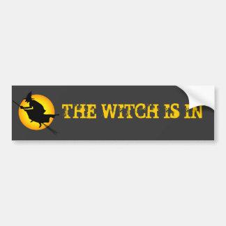 La sorcière de Halloween est dans l'adhésif pour Autocollant Pour Voiture