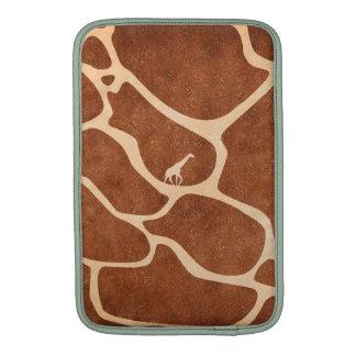 La surface de motif de peau de girafe souille des poche macbook