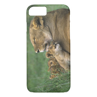 La Tanzanie, cratère de Ngorongoro. Mère africaine Coque iPhone 7