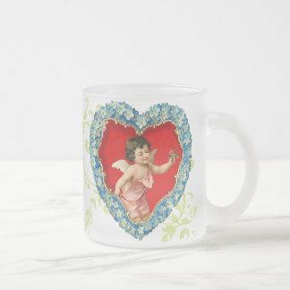 La tasse bleue victorienne de Valentine d'ange de