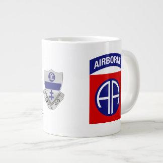 La tasse de café 325 aéroportée Jésus pardonne
