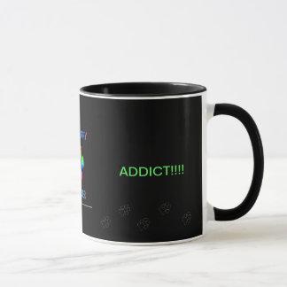 La tasse de café faisante le coin velue