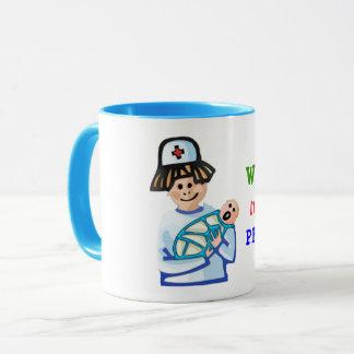 La tasse de café pédiatrique de soin de