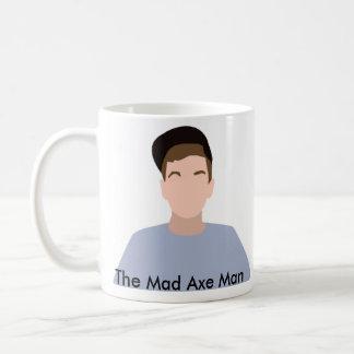 La tasse folle d'homme de hache