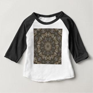 La terre naturelle modifie la tonalité le motif de t-shirt pour bébé