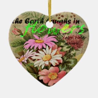 La terre rit en fleurs ornement cœur en céramique