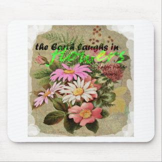 La terre rit en fleurs tapis de souris