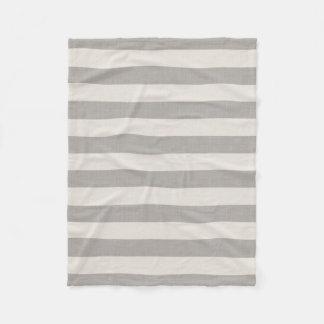 La toile grise de ferme barre la couverture