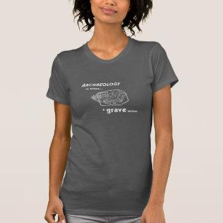 La tombe importe le T-shirt des femmes