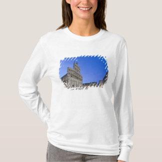 La Toscane, Lucques, Piazza San Michele à l'aube T-shirt