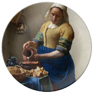 La trayeuse assiettes en porcelaine