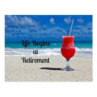 La vie commence à la retraite - boisson givrée sur cartes postales