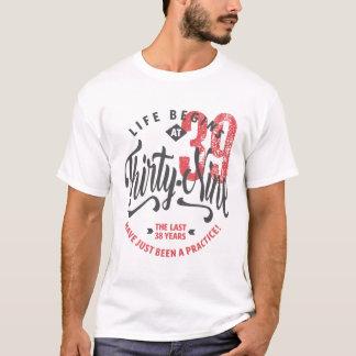 La vie commence au trente-neuvième T-shirt