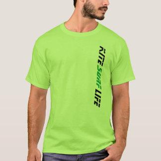 La vie de surf de cerf-volant de vert de chaux t-shirt