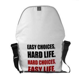 La vie dure de choix faciles sacoches