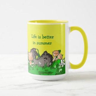 La vie est meilleure dans la tasse d'été