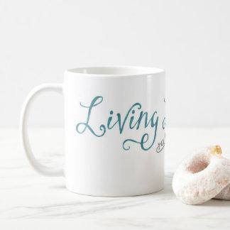 La vie vivante et étude de la tasse blanche