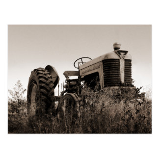 La vieille carte postale de tracteur