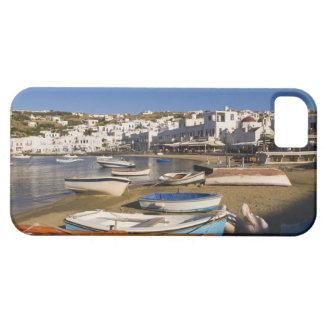 La ville de port avec les bateaux de pêche colorés coques iPhone 5 Case-Mate