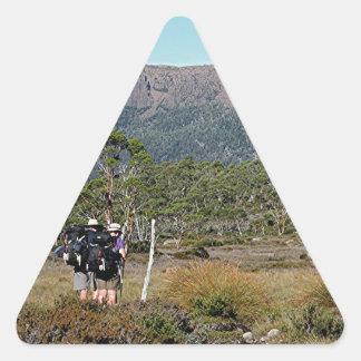 La voie sur terre de la Tasmanie Sticker Triangulaire