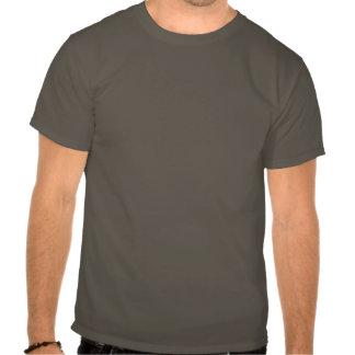 La voiture de crâne et de piston refroidissent l'e t-shirts