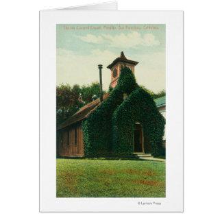 La vue extérieure du lierre a couvert la chapelle, carte de vœux
