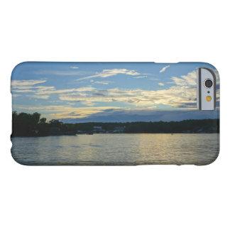 Lac du coucher du soleil de bleu d'Ozarks Coque iPhone 6 Barely There